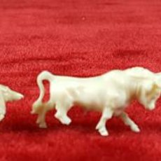 Arte: 5 FIGURAS DE ANIMALES EN HUESO TALLADO. PRINCIPIOS SIGLO XX.. Lote 75184391