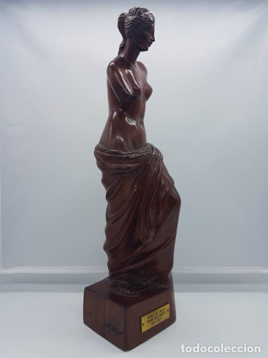 Arte: Escultura antigua en madera de palo rosa bellamenta tallado a mano y firmado, ( Venus de Milo ) . - Foto 4 - 76627955
