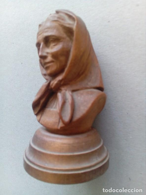 Arte: PEQUEÑA TALLA EN MADERA REPRESENTANDO ANCIANA - Foto 3 - 80120549