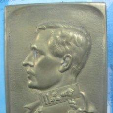 Arte: RARA PLACA DE BRONCE DE ALBERTO I DE BELGICA,FIRMADO POR ESCULTOR M.GILTARY EN 1909 EN SU CORONACION. Lote 80927772
