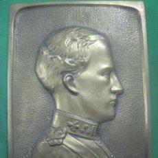 Arte: RARA PLACA DE BRONCE DE LEOPOLDO III DE BELGICA, FIRMADO POR ESCULTOR J.ORY EN 1934 EN SU CORONACION. Lote 80943240