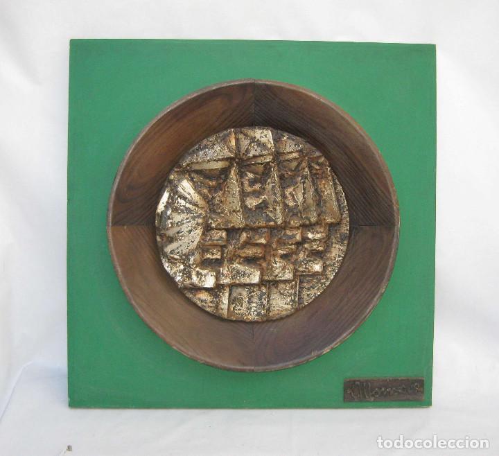 GRAN OBRA ESCULTURA CUADRO MEDALLON MADERA Y METAL FIRMADO ALONSO 1968 ALTO VALOR (Arte - Escultura - Hierro)