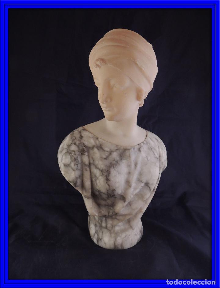 PRECIOSO BUSTO ANTIGUO EN MARMOL Y ALABASTRO DE PUGI S. XIX (Arte - Escultura - Alabastro)