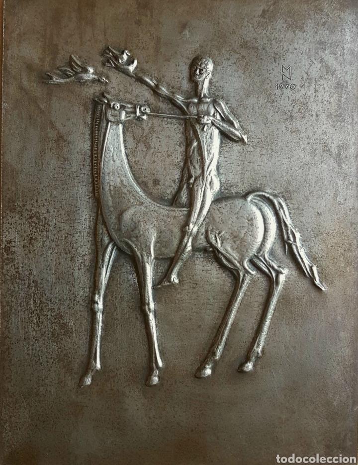 MARINO MARINI ? PRECIOSA PLACA (BAJORELIEVE) FIRMADA CON INICIALES EN MN 1970 (Arte - Escultura - Hierro)