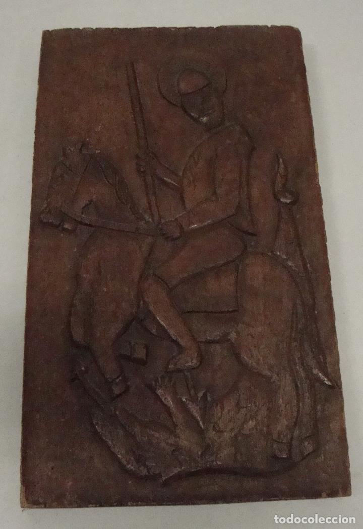 BONITO CUADRO EN MADERA Y RELIEVE TALLADO A MANO DE SAN JORGE SANT JORDI (Arte - Escultura - Madera)