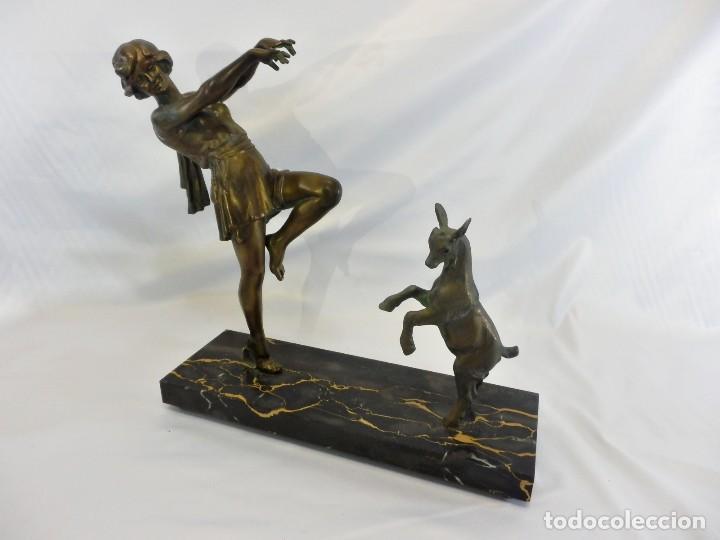 Arte: Emile J. N. Carlier (1849-1927) Danseur toge. Spelter en mármol portoro. Al estilo Godard. Art Decó - Foto 2 - 87002736