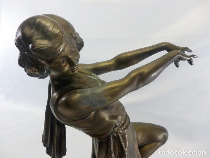 Arte: Emile J. N. Carlier (1849-1927) Danseur toge. Spelter en mármol portoro. Al estilo Godard. Art Decó - Foto 4 - 87002736