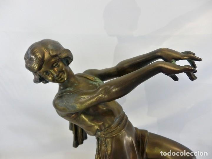 Arte: Emile J. N. Carlier (1849-1927) Danseur toge. Spelter en mármol portoro. Al estilo Godard. Art Decó - Foto 5 - 87002736