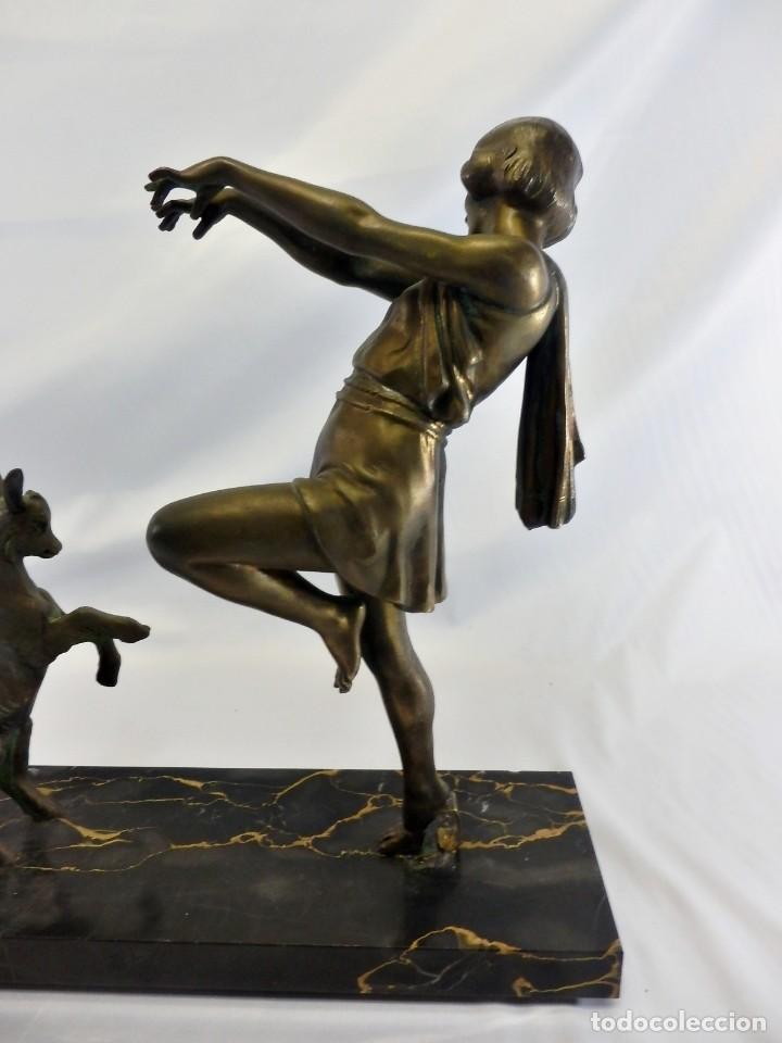 Arte: Emile J. N. Carlier (1849-1927) Danseur toge. Spelter en mármol portoro. Al estilo Godard. Art Decó - Foto 9 - 87002736