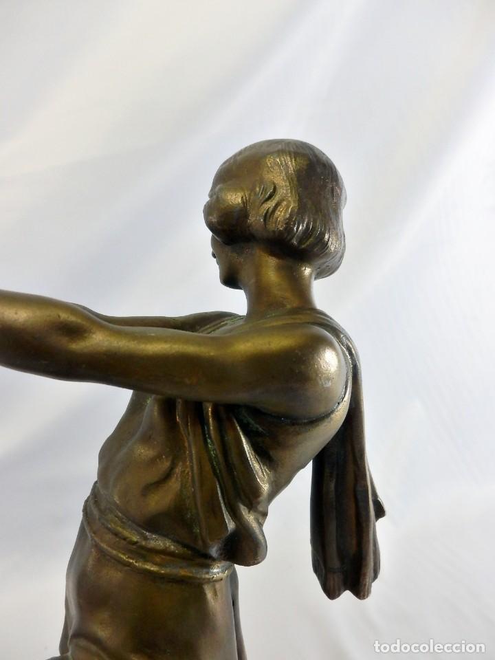 Arte: Emile J. N. Carlier (1849-1927) Danseur toge. Spelter en mármol portoro. Al estilo Godard. Art Decó - Foto 11 - 87002736