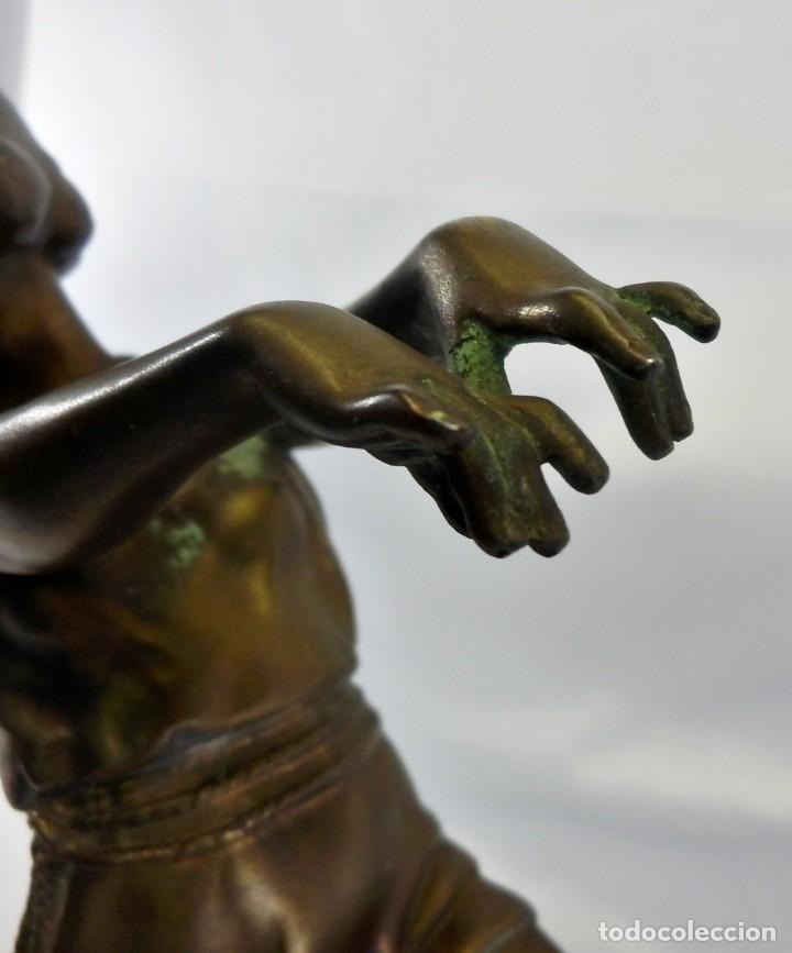 Arte: Emile J. N. Carlier (1849-1927) Danseur toge. Spelter en mármol portoro. Al estilo Godard. Art Decó - Foto 13 - 87002736