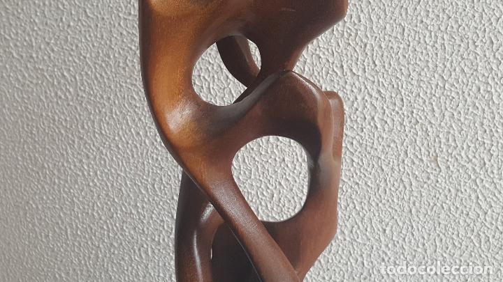 Arte: Escultura abstracta en caoba. PRECIOSA. Abstract sculpture. - Foto 7 - 87671176