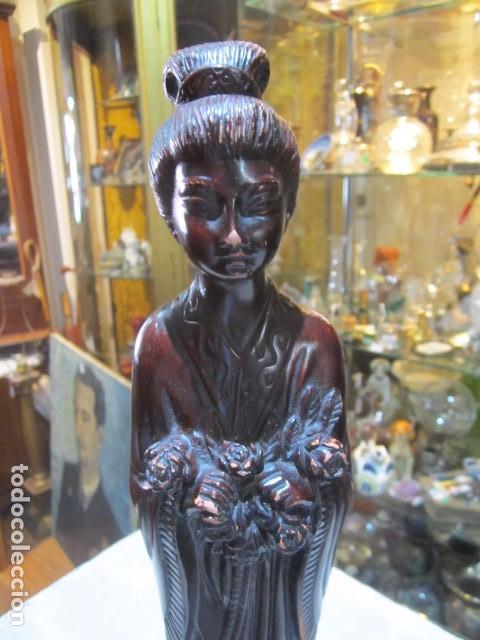 Arte: Figura de mujer oriental, tallada en madera. 40 cms. altura. - Foto 2 - 91250200