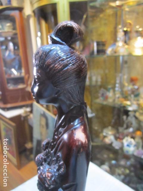 Arte: Figura de mujer oriental, tallada en madera. 40 cms. altura. - Foto 5 - 91250200