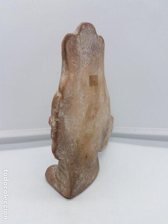Arte: Escultura antigua de terracota imagen de guerrero INAH cazando con su trofeo hecha en Mexico. - Foto 3 - 98200682