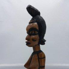 Arte: ARTE AFRICANO, BUSTO ANTIGUO DE NATIVA TALLADO EN MADERA Y PINTATO A MANO.. Lote 96391575