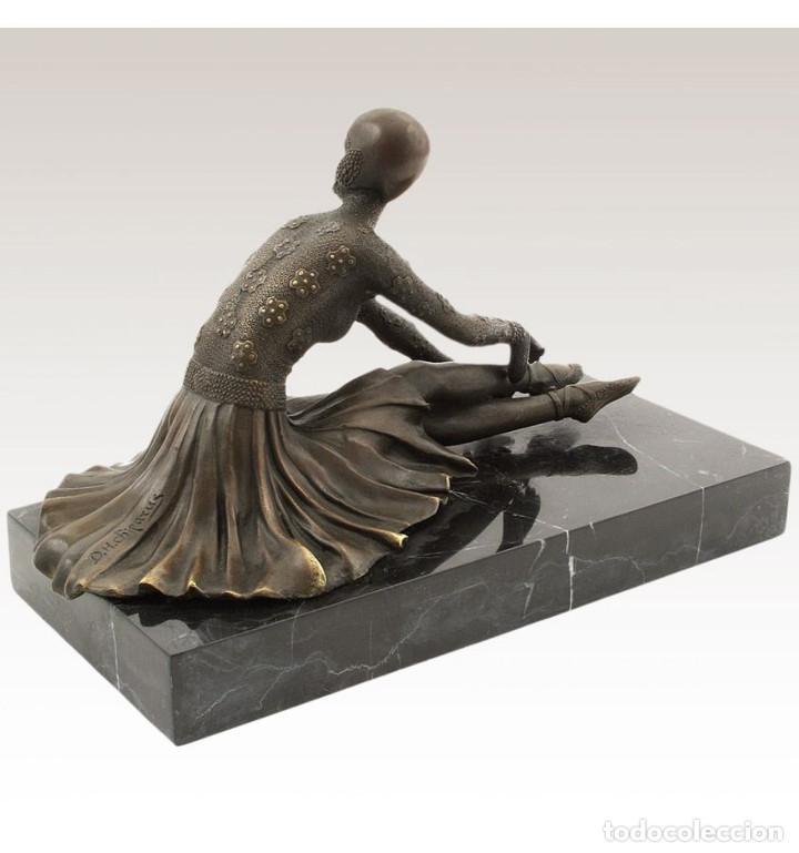 Arte: Esculturas. Escultura artesanal en bronce a la cera perdida Mujer Art Decó sentada Tanara - Foto 2 - 98204879