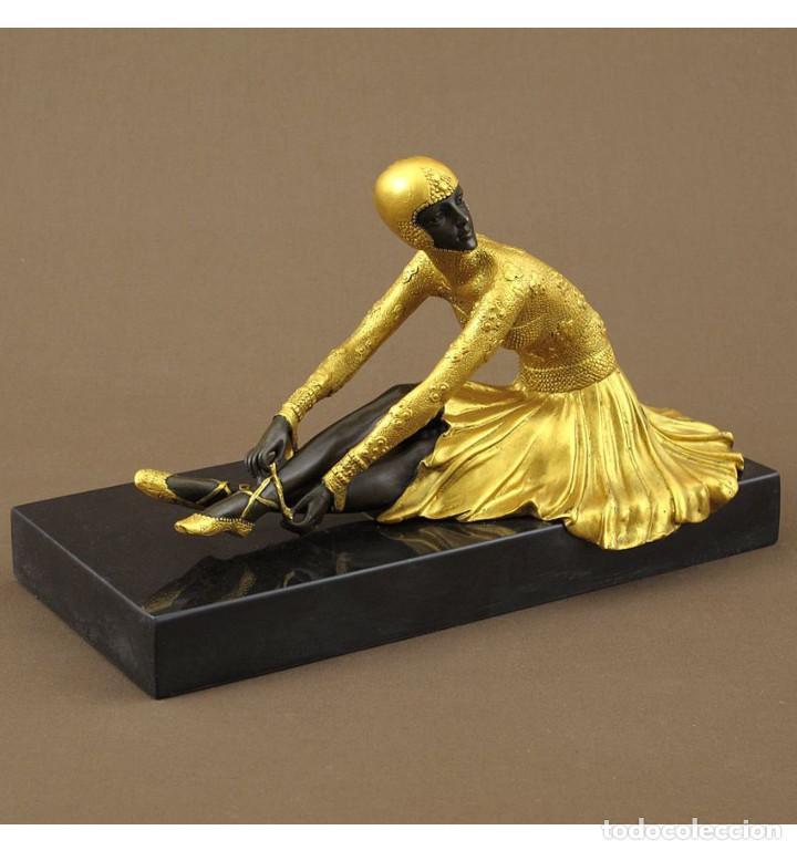 ESCULTURAS. ESCULTURA ARTESANAL DORADO EN BRONCE A LA CERA PERDIDA MUJER ART DECÓ SENTADA 'TANARA' (Arte - Escultura - Bronce)