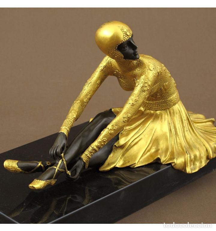 Arte: Esculturas. Escultura artesanal dorado en bronce a la cera perdida Mujer Art Decó sentada Tanara - Foto 3 - 98590075