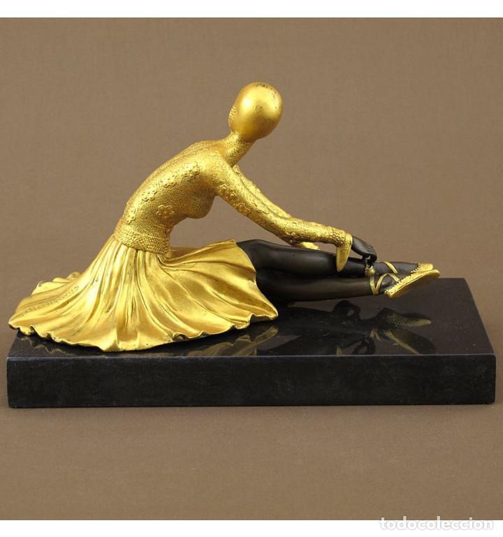 Arte: Esculturas. Escultura artesanal dorado en bronce a la cera perdida Mujer Art Decó sentada Tanara - Foto 4 - 98590075