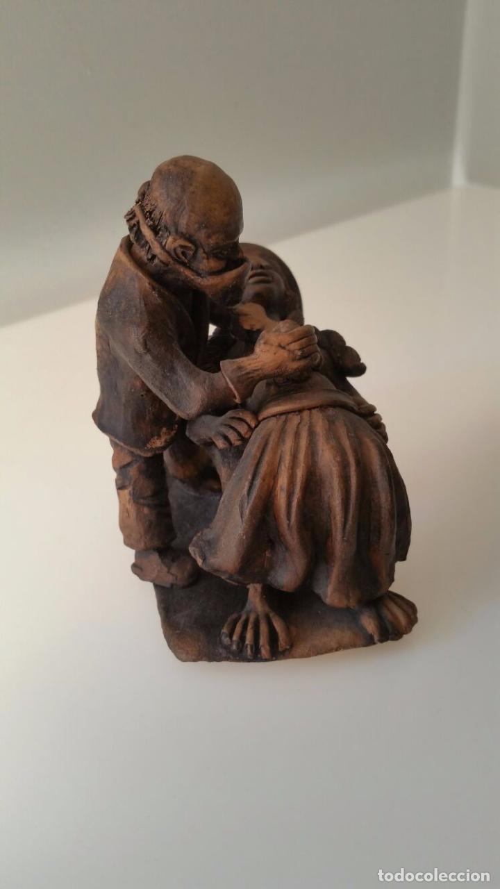 Arte: Impactante escultura de una Cesárea - Autor desconocido - Foto 2 - 98761791