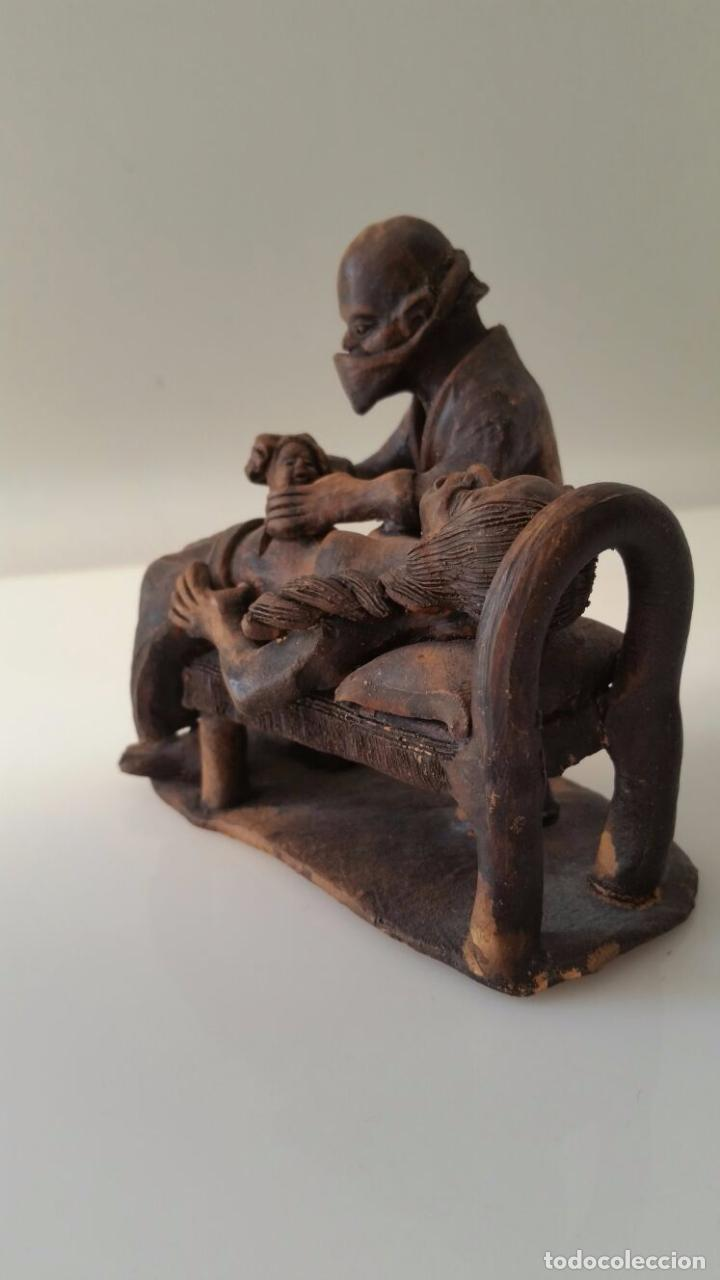 Arte: Impactante escultura de una Cesárea - Autor desconocido - Foto 3 - 98761791