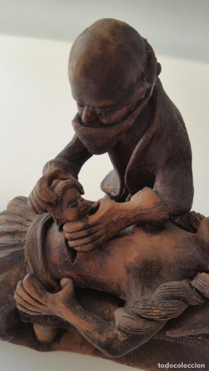 Arte: Impactante escultura de una Cesárea - Autor desconocido - Foto 4 - 98761791