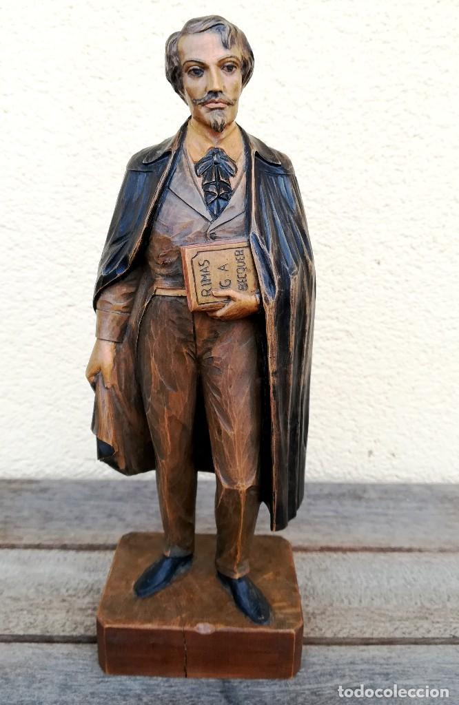 ESCULTURA-TALLA DE MADERA DEL ESCRITOR GUSTAVO ADOLFO BECQUER,FINALES DEL XIX,LIBRO RIMAS Y LEYENDAS (Arte - Escultura - Madera)