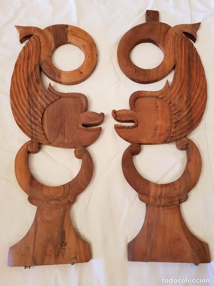 DELFINES O TRITONES TALLA NOGAL. ISABELINOS. SIGLO XIX (Arte - Escultura - Madera)