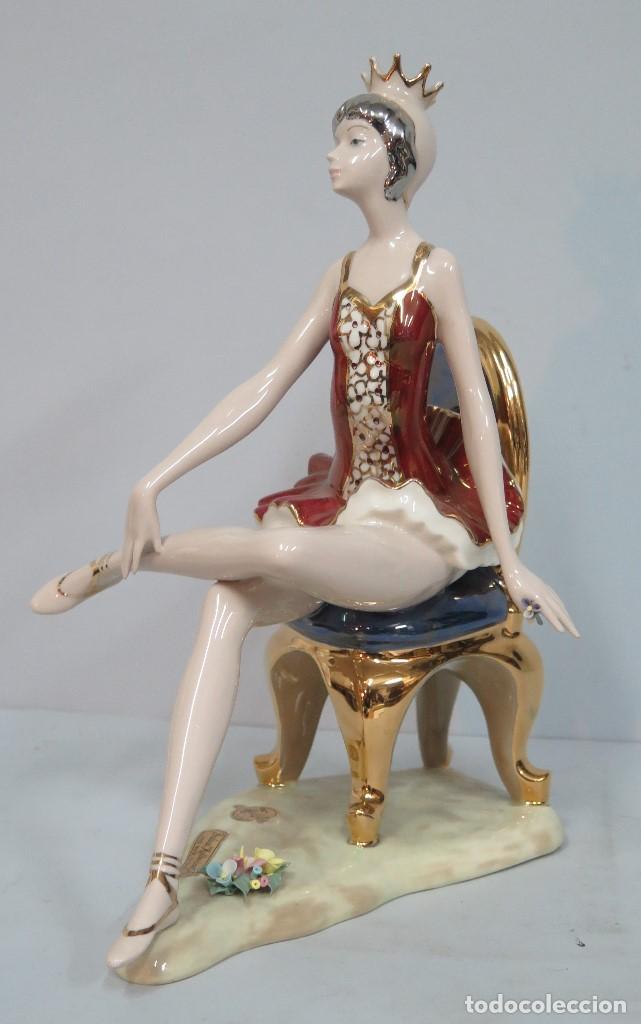 BONITA FIGURA DE BAILARINA DE PORCELANA. MEDIFLOR. VALENCIA (Arte - Escultura - Porcelana)