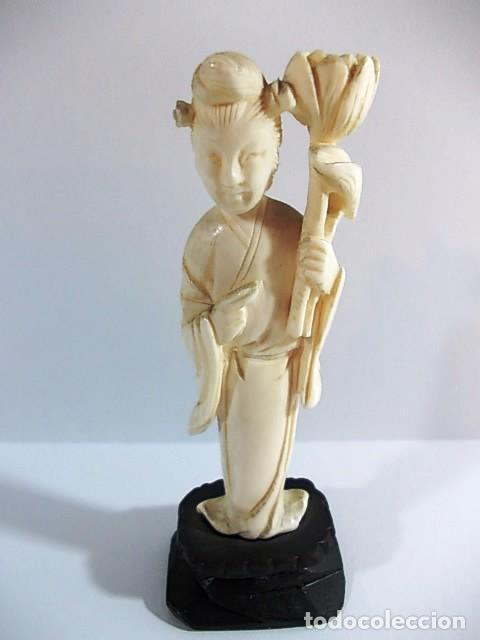 ANTIGUA FIGURA GEISHA JAPONESA REALIZADA EN MARFIL (Arte - Escultura - Marfil)