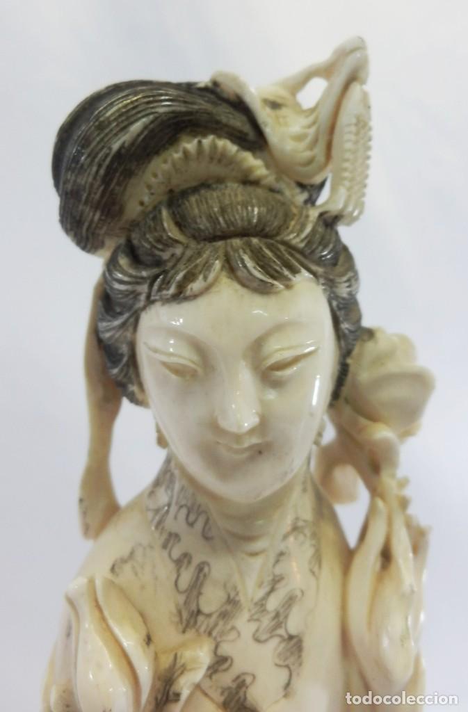 Arte: Preciosa talla de marfil del s XIX, Geisha con detalles cromados. 31 cm. - Foto 7 - 104934559