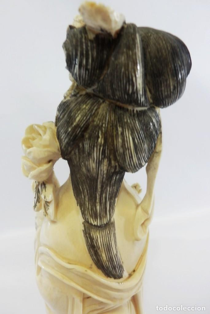 Arte: Preciosa talla de marfil del s XIX, Geisha con detalles cromados. 31 cm. - Foto 10 - 104934559