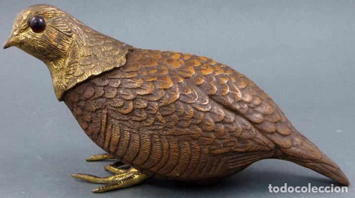 Arte: Escultura codorniz tallada en piedra con patas y cabeza de bronce siglo XX - Foto 2 - 105990199