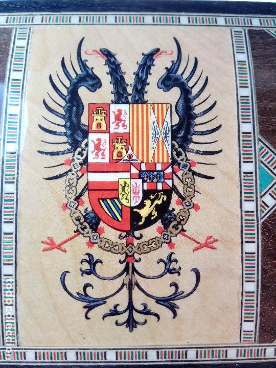 Arte: MUY BONITA CAJA DE MADERA CON MARQUETERIA Y ARCADAS MUDÉJARES - ÁGUILA BICÉFALA EN TAPA - CON LLAVE - Foto 4 - 109439619