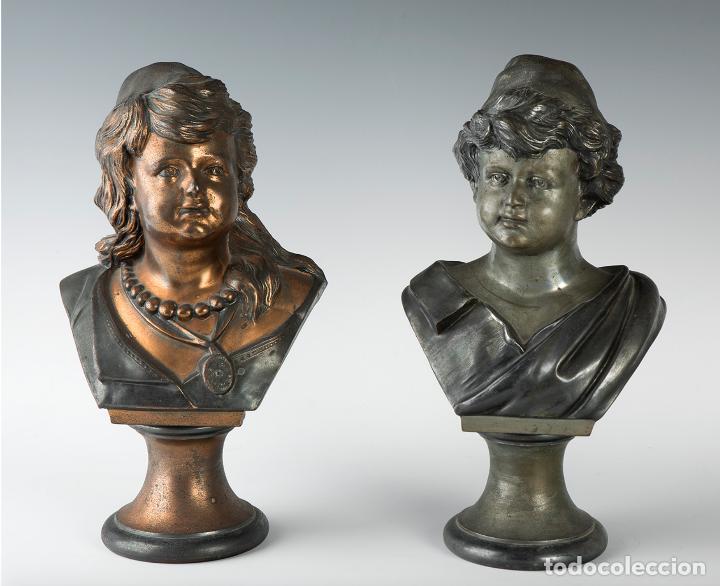 PAREJA DE BUSTOS FEMENINOS, FINALES DEL SIGLO XIX – PRIMERA MITAD DEL XX. (Arte - Escultura - Bronce)