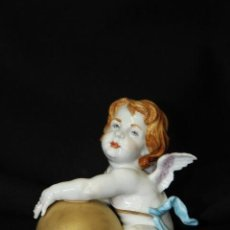 Arte: ANGELITO CON BOLA EN AUTÉNTICA PORCELANA DE ALGORA DOCUMENTADA. PERFECTO ESTADO. Lote 66932022
