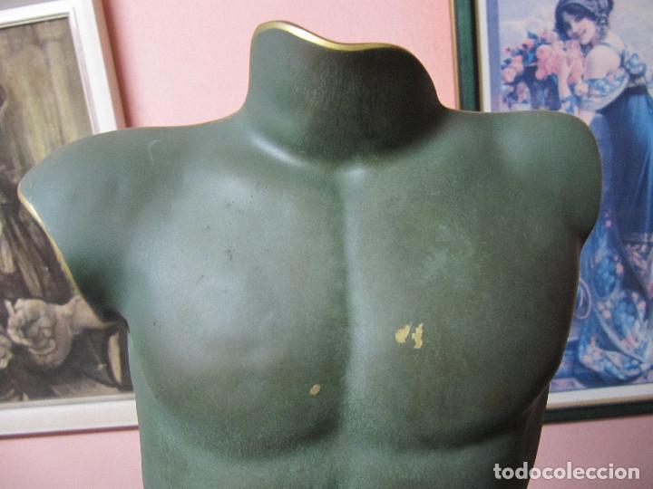 Arte: ANTIGUO TORSO EN BRONCE SOBRE PEANA DE MARMOL - Foto 3 - 110072699