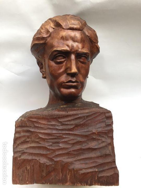 busto en madera firmado frias alejandro año comprar esculturas
