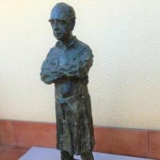 Arte: ESCULTURA DE JOAQUIM ROS SABATE,AÑO 1974,FIGURA DOCTOR ANTONIO PUIGVERT,CATEDRATICO,UROLOGO,MEDICINA. Lote 110830199
