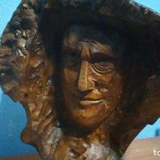 Arte: ESCULTURA DE BUSTO DE HOMBRE EN EL MISMO TRONCO DE ÁRBOL. Lote 112264543