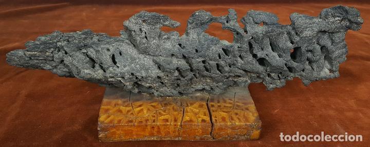 ROCA DEL CAP DE CREUS. ESCULTURA. BASE DE RESINA. CIRCA 1960. (Arte - Escultura - Piedra)