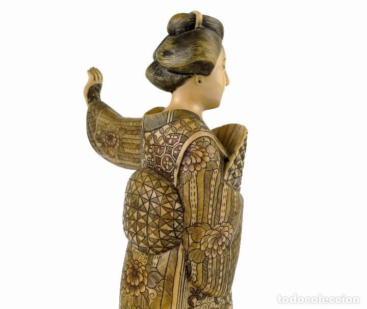 Arte: Geisha talla de marfil policromada- Firmada- Japón, mediados siglo XX - Foto 3 - 114288015