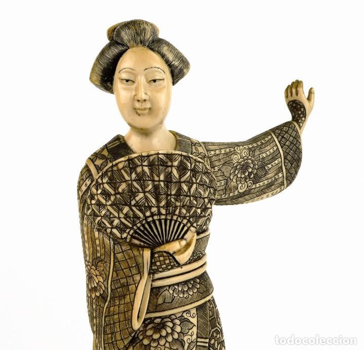 Arte: Geisha talla de marfil policromada- Firmada- Japón, mediados siglo XX - Foto 4 - 114288015