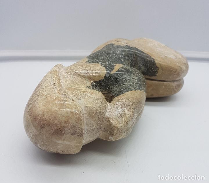 Arte: Escultura antigua de mujer en posición de rezo tallada en piedra . - Foto 6 - 116165631