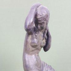 Arte: MUJER PEINANDOSE. ESCULTURA DE ARGERATA DE QUART. ARMENGOL. ESPAÑA. SIGLO XX.. Lote 117125103