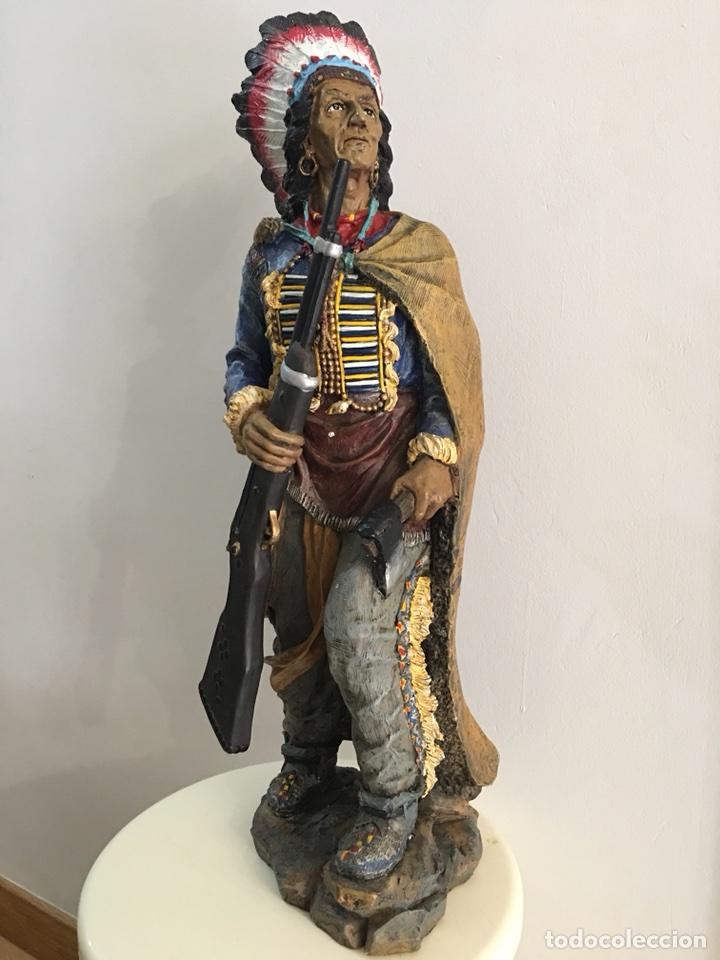 FIGURA DE INDIO APACHE AMERICANO EN RESINA- GRAN TAMAÑO (Arte - Escultura - Resina)