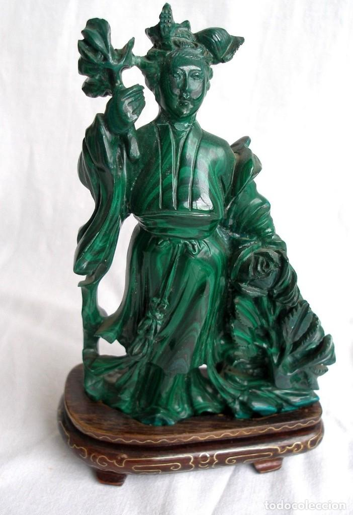 preciosa figura de gema malaquita natural talla - Comprar Esculturas ...