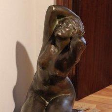 Arte: ESCULTURA DESNUDO FEMENINO EN BRONCE DE ACHILLE GENNARELLI NAPOLI. Lote 119221227