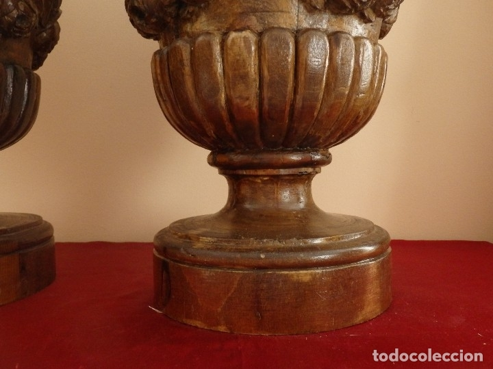 Arte: Gran pareja de pedestales en madera tallada de estilo neoclásico. 57 x 31 cm. Siglo XVIII. - Foto 9 - 119237231